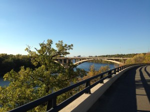 Bike path along the Mississippi